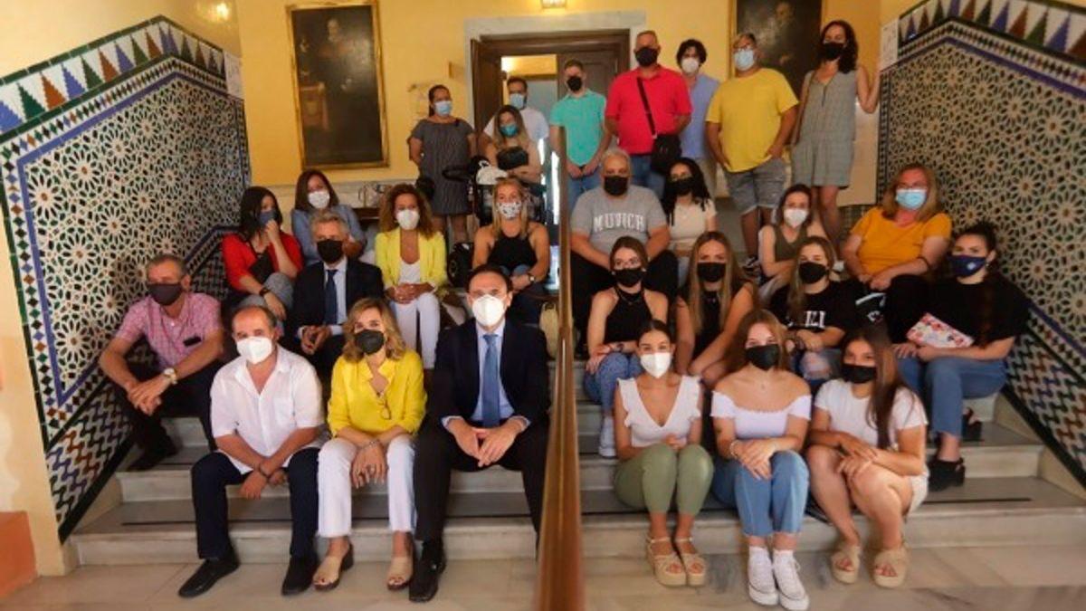 Participantes en la acción de intervención social en Las Palmeras con la UCO, Fundación Cajasol y Fundación La Caixa.