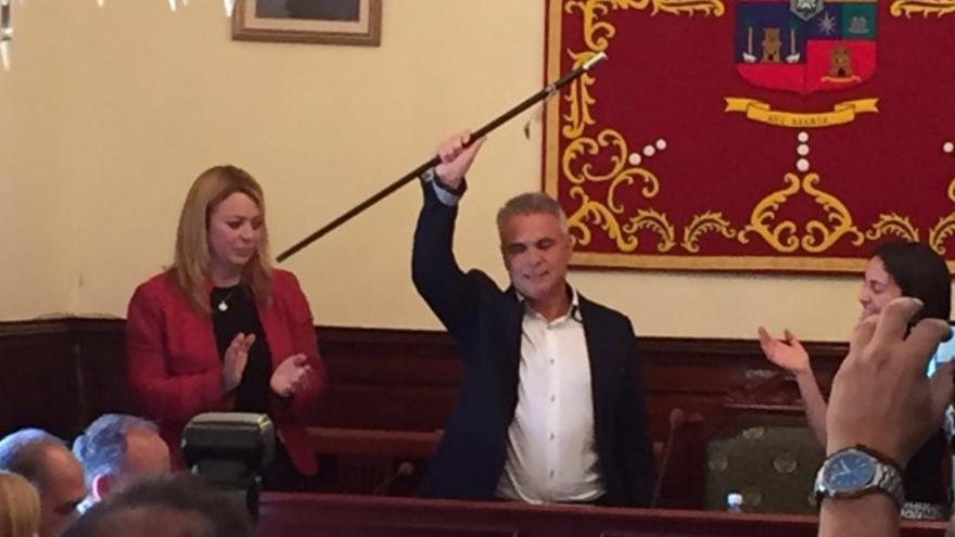 Gonzalo Rosario, nuevo alcalde de Teror tras prosperar la moción de censura a Guerra.