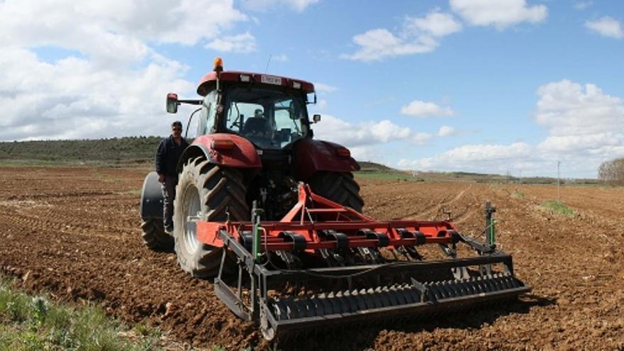 El Gobierno pretende adecuar la formación profesional de los agricultores a las exigencias de la UE.