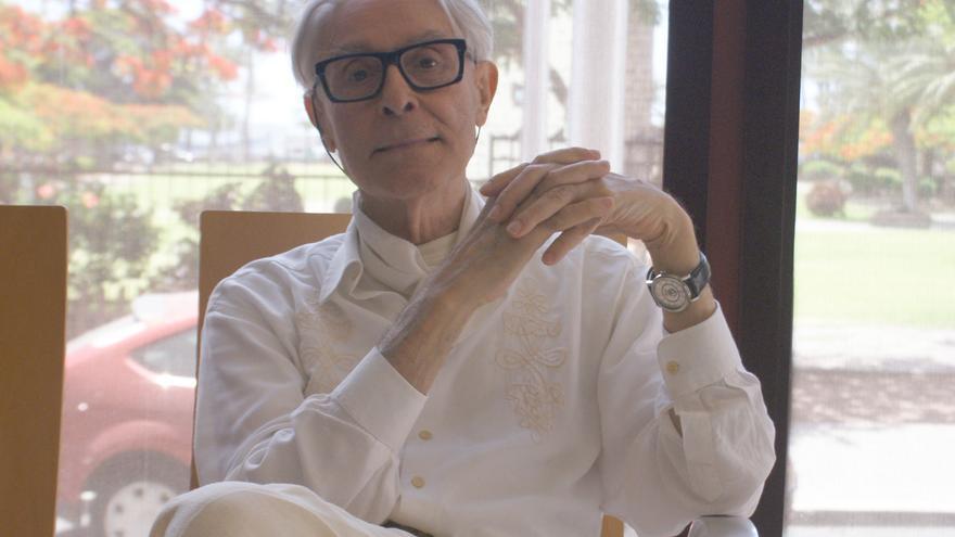 El artista grancanario Pepe Dámaso durante su visita a La Gomera