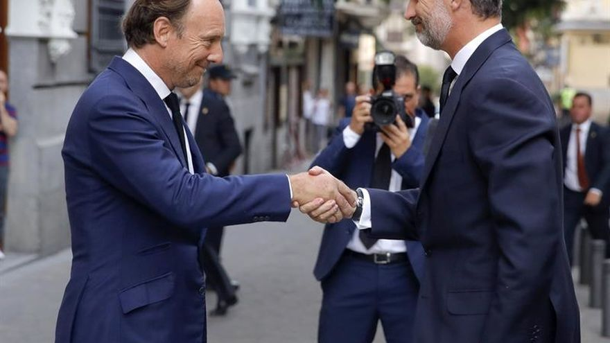 El Rey asiste al funeral por el duque de Medinaceli