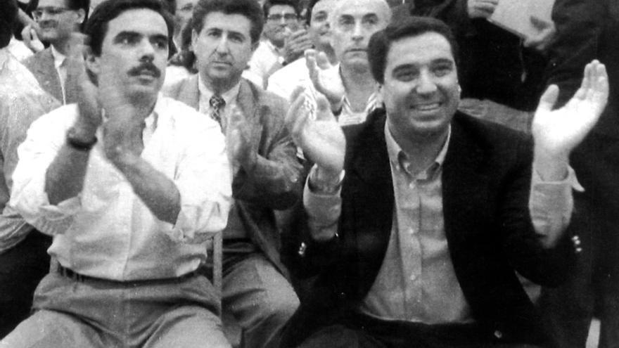 José María Aznar y Eduardo Zaplana, en un mitin en Valencia en 1994