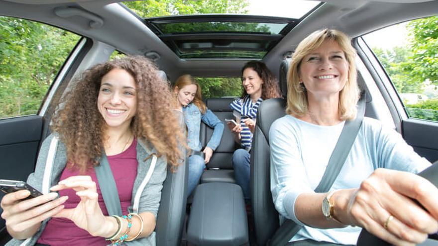 Mujeres en un coche de Blablacar. Foto: Blablacar