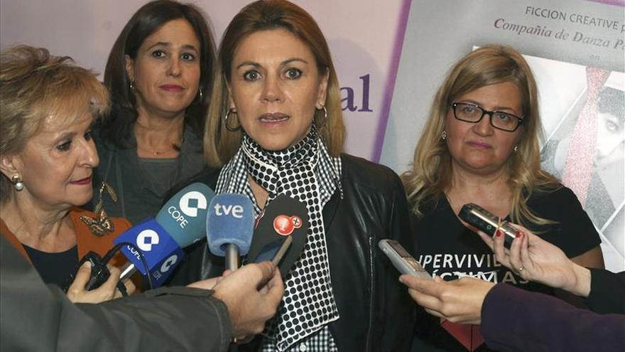 """Cospedal pide """"intolerancia total"""" de la sociedad contra la violencia machista"""