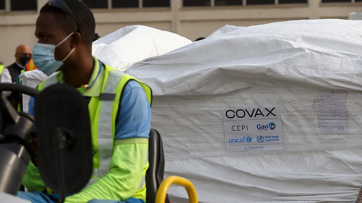 El mecanismo COVAX distribuye vacunas a 190 países.