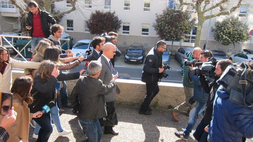 Las víctimas de Angrois exigen el cese de Andrés Cortabitarte tras la dimisión del director de Seguridad de Renfe