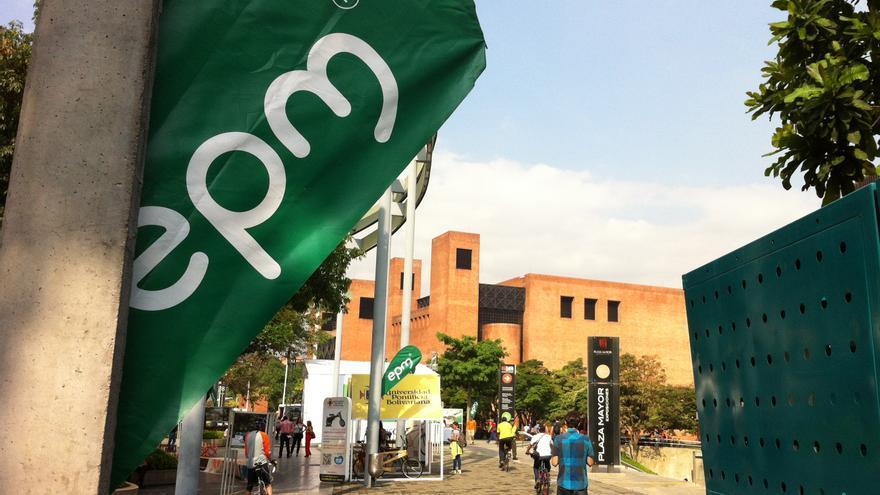 El logo de EPM es habitual en las calles de Medellín.