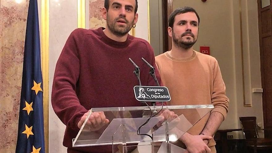 Archivo - Miguel Ángel Bustamante con Alberto Garzón