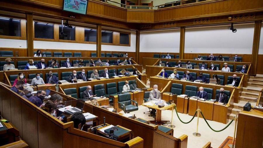 Rifirrafe en el Parlamento