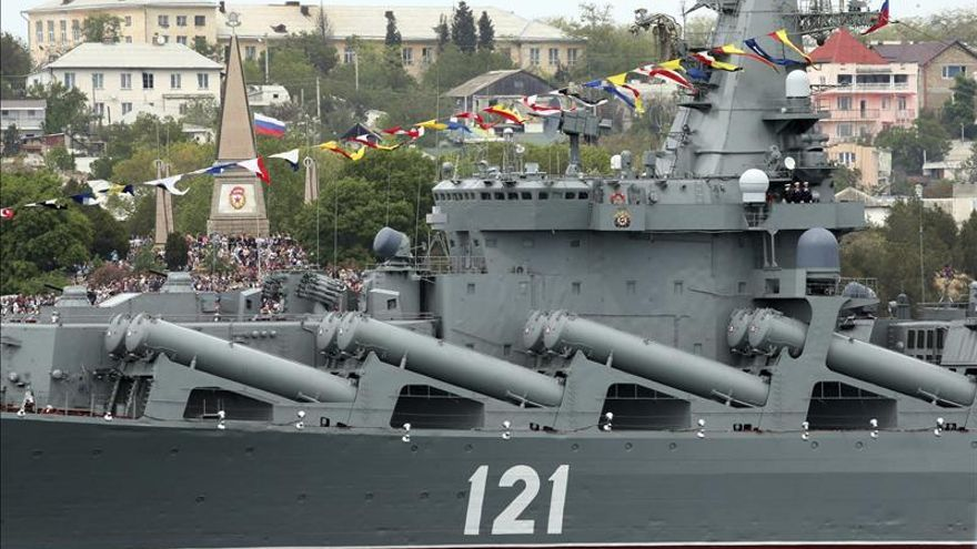 El buque insignia de la Flota rusa del mar Negro zarpa rumbo al Mediterráneo