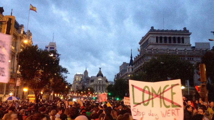 Miles de manifestantes han recorrido las calles de Madrid para mostrar su rechazo a la política educativa del Gobierno. \Prado Campos