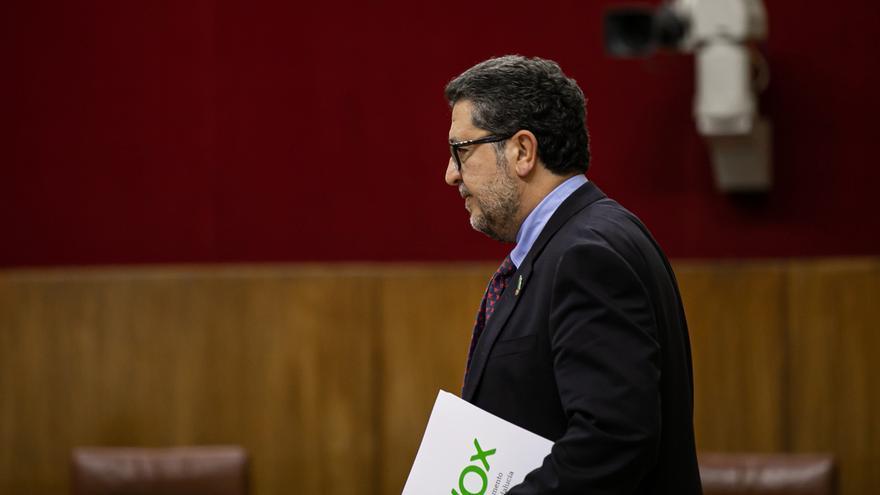 """AV-Serrano (Vox), de baja tras el """"linchamiento"""" por el comentario en Facebook sobre La Manada, obra de un """"colaborador"""""""