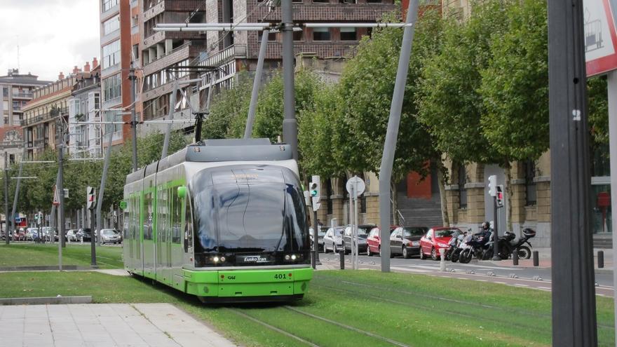 El tranvía de Bilbao ofrecerá este jueves servicios especiales por el partido Athletic Club-Hertha BSC
