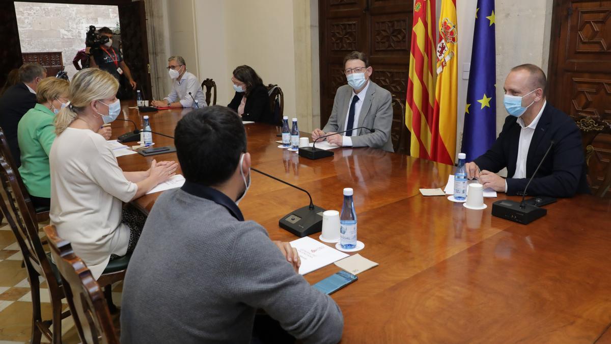 Reunión de la mesa interdepartamental.