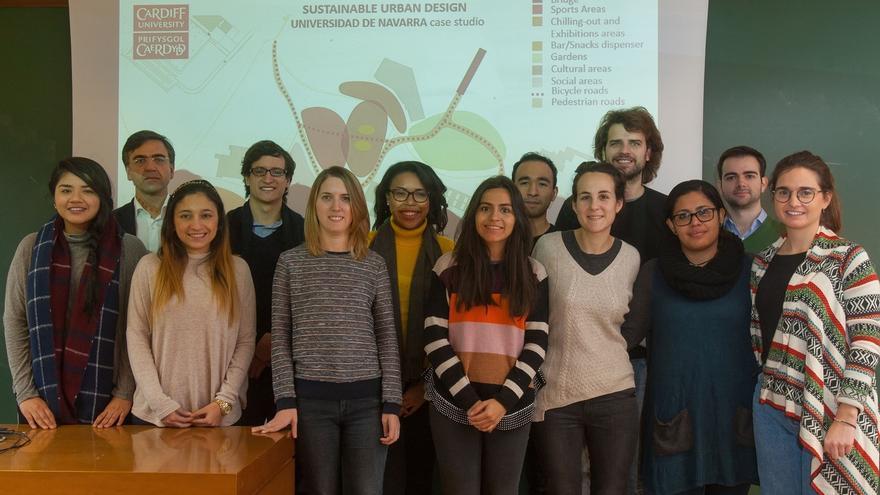 Estudiantes de la Universidad de Navarra participan en un taller en la Universidad de Cardiff
