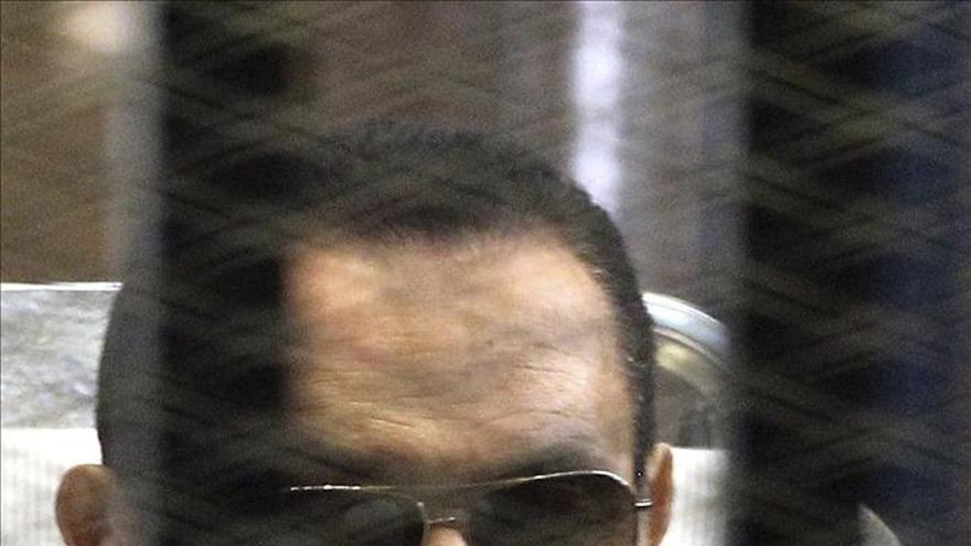 Mubarak vuelve mañana al banquillo de los acusados por la muerte de manifestantes