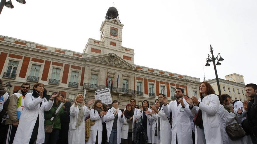Los sanitarios madrileños, llamados de nuevo a la huelga contra las privatizaciones
