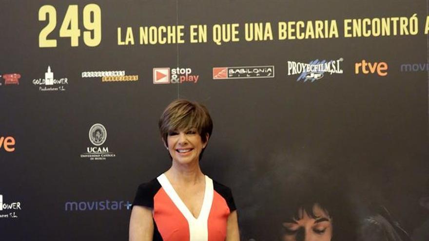 """El cine revive la noche en que una becaria de EFE """"encontró"""" a Revilla"""