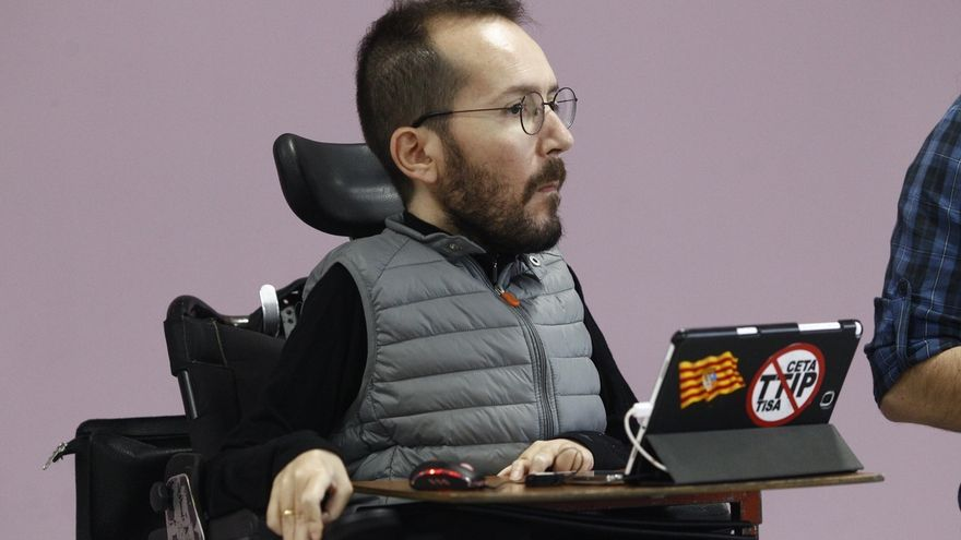 Echenique se alinea con Iglesias y defiende unir las votaciones de proyecto y liderazgo en el congreso de Podemos