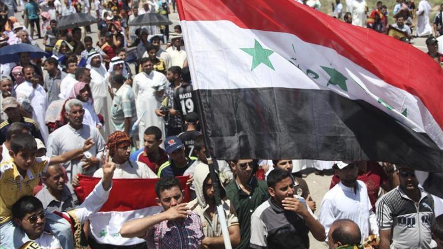 Decenas de miles de suníes protestan contra el Gobierno de Al Maliki