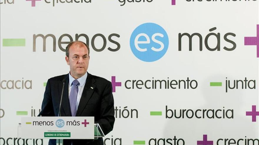Monago está convencido de que Rajoy y Cospedal no cobraron en dinero B