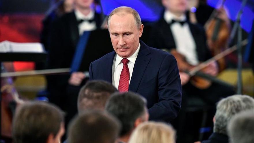 Putin envía sus condolencias a Trump por la matanza en una iglesia de Texas