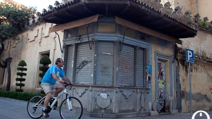 El kiosco de San Hipólito, adosado a la iglesia | MADERO CUBERO