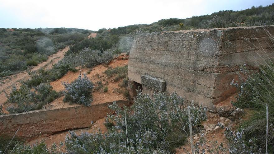 Entrada a uno de los búnkeres de la Guerra Civil que hay en el Corredor de Almansa