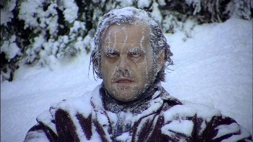 Jack Nicolson en la escena en la que aparece congelado en el laberinto del hotel