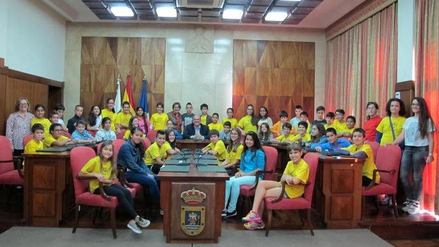En la imagen, sesión plenaria celebrada este lunes con escolares.