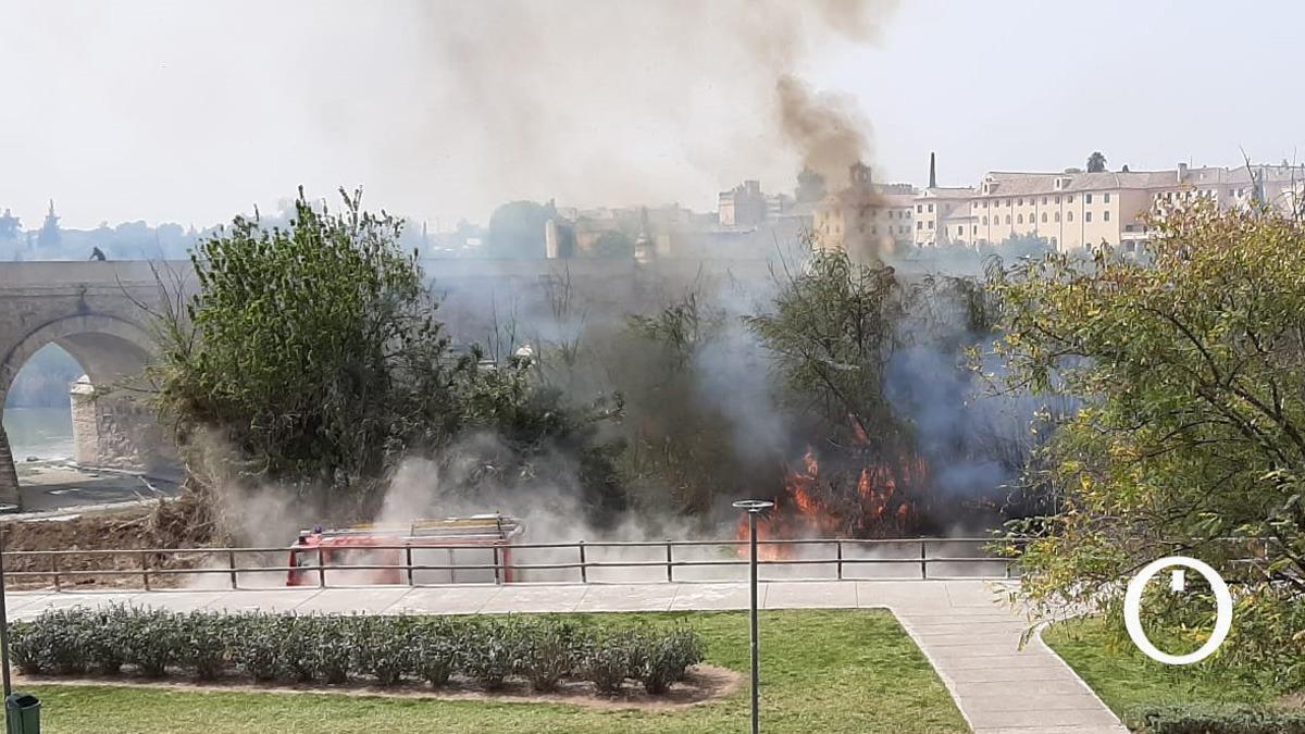 Fuego en la zona baja de Miraflores
