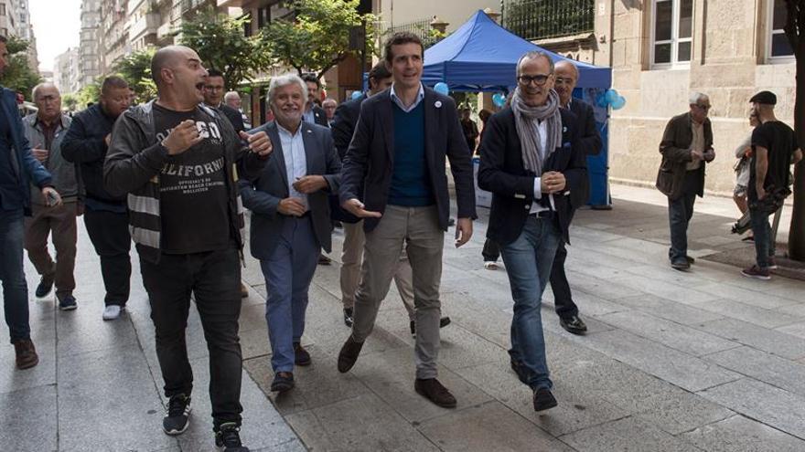 """Casado defiende que la oposición del PPdeG representa """"la nada"""""""