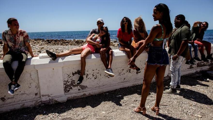 El ambiente del cabaré de Cuba de los 50 llega a Málaga