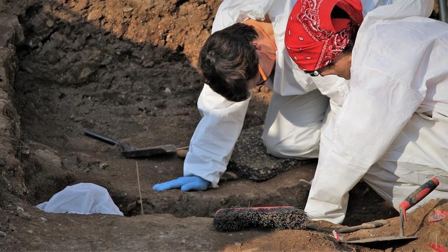 Trabajos arqueológicos en el cementerio de La Salud, Córdoba.   JUAN MIGUEL BAQUERO