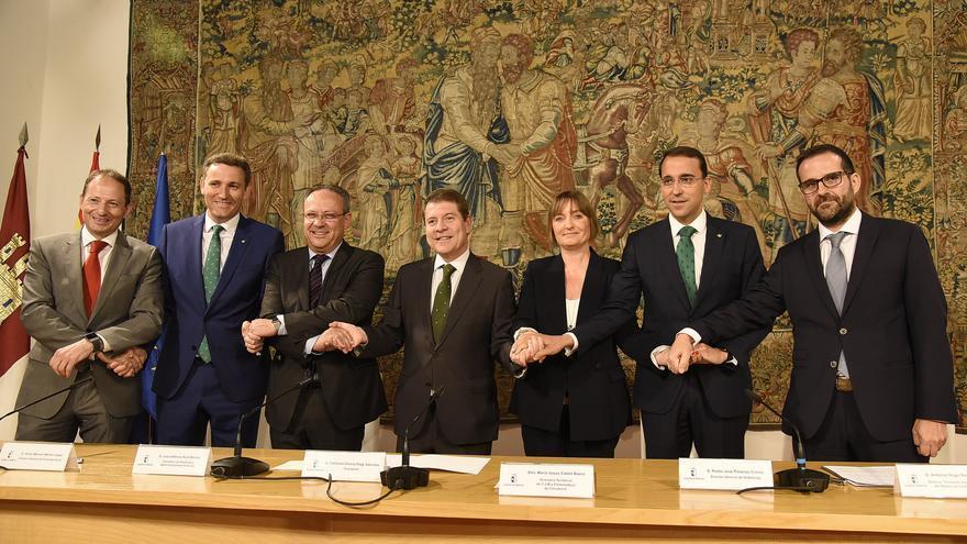 Emiliano García-Page firma de convenio para Expresiones de Interés