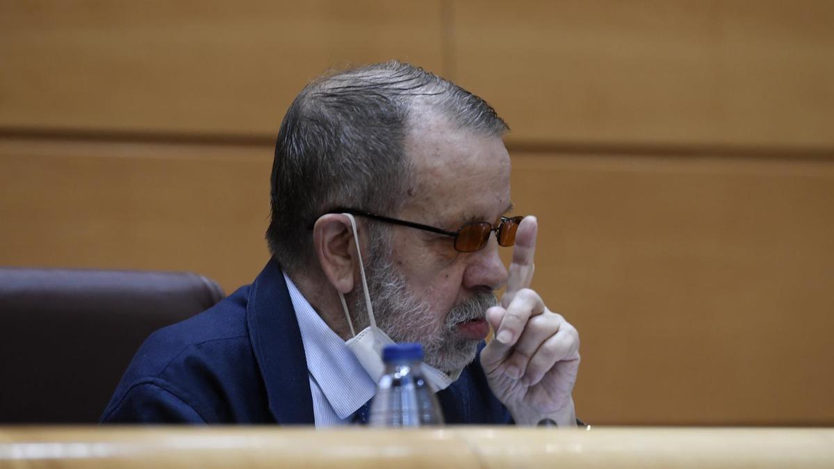 El Defensor del Pueblo en funciones y Adjunto Primero, Francisco Miguel Fernández Marugán,en el Senado