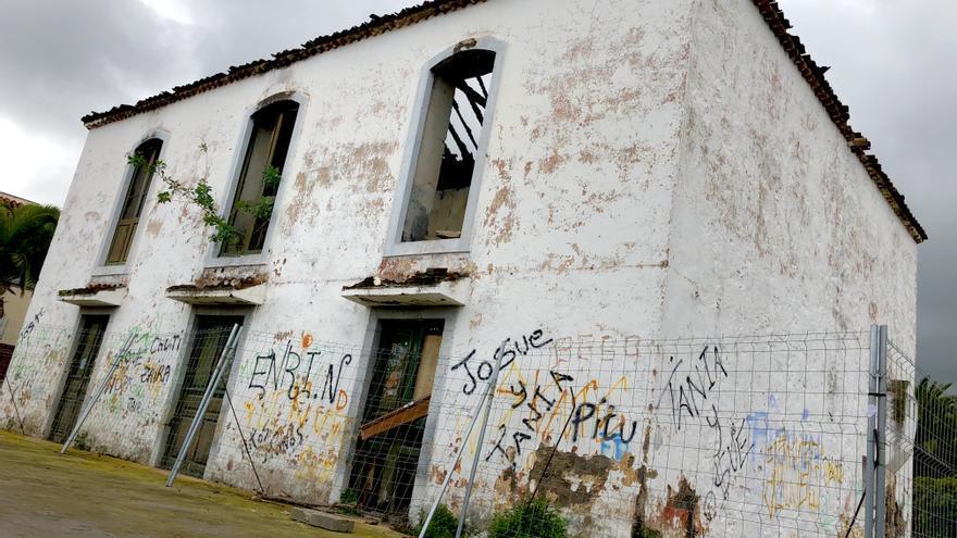 Casona antigua del barrio de La Montaña, de titularidad pública y en estado ruinoso