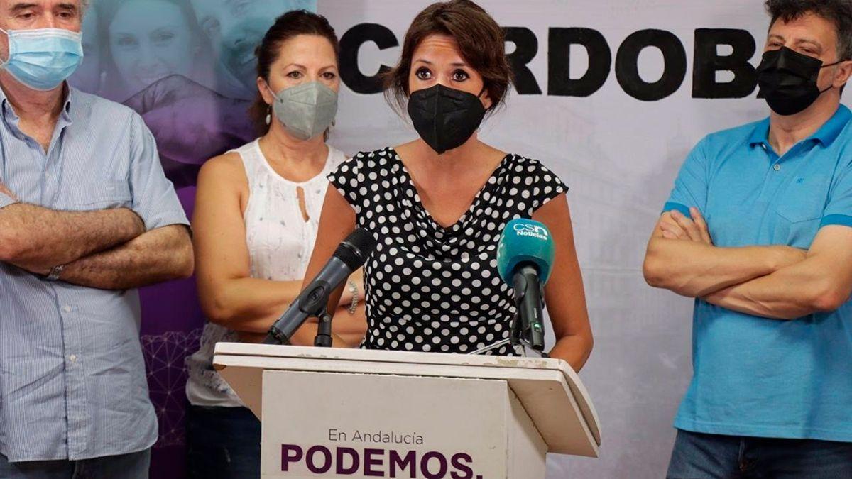Martina Velarde con representantes de colectivos memorialistas.