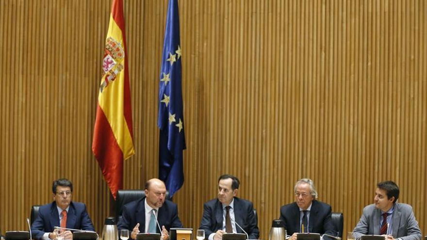 La Comisión de Hacienda convocará pronto al presidente de la Autoridad Fiscal