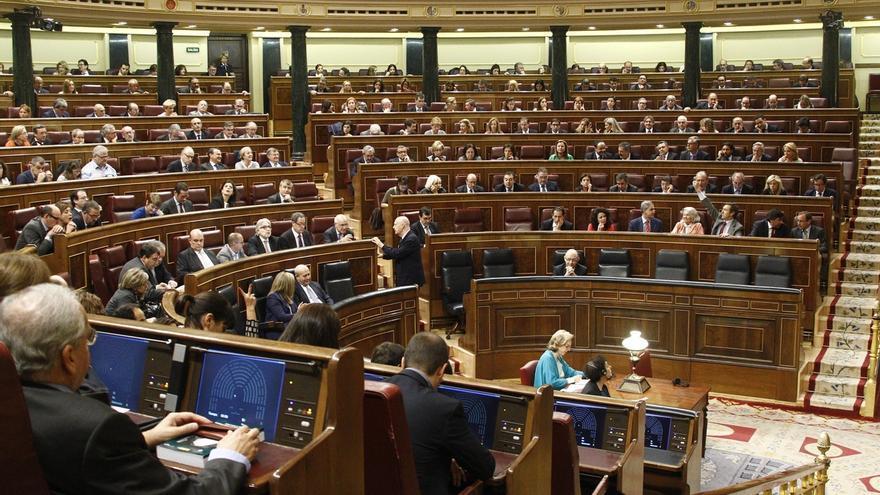 El PSOE baraja reclamar publicidad para los viajes de los diputados, pero sin especificar lo que cuestan