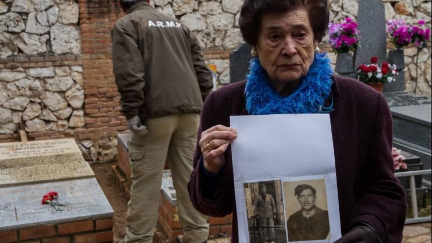 Muchas familias han seguido buscando a sus seres queridos en los últimos 80 años