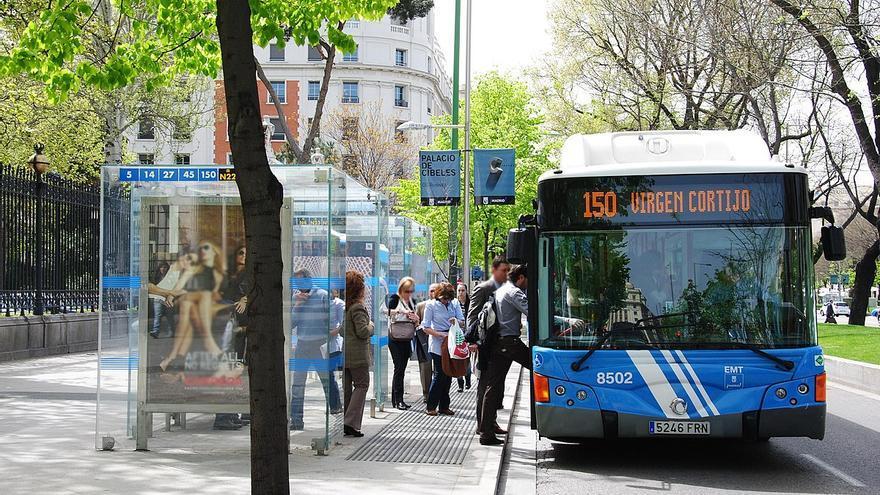 Autobús de la Empresa Municipal de Transportes (EMT), en Madrid.