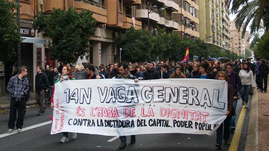 El comité de huelga de Benimaclet, avanzando hacia el centro de València.