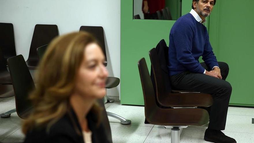 El juez absuelve a Oriol Pujol de amenazar en un SMS a una concejal de C's