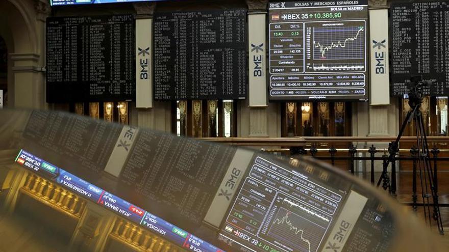 La Bolsa española cotiza plana a mediodía y sube apenas un 0,02 por ciento