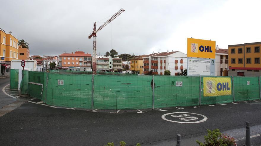 La obra del nuevo edificio de aparcamientos de la Vega de San Mateo.