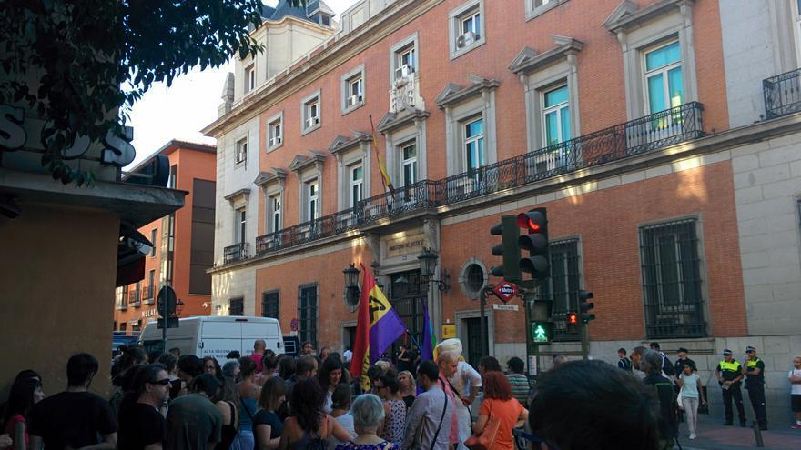 Manifestación anti-machista frente al Ministerio de Justicia en Madrid