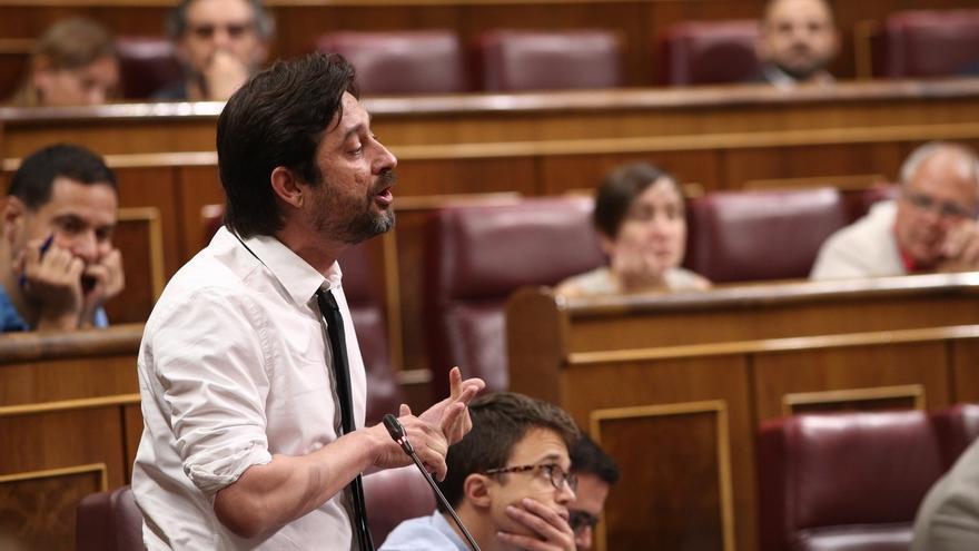 Podemos advierte al Rey que modernizar España significa someter a votación la propia Corona