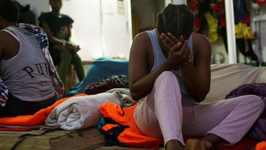"""Italia ordena el desembarco de los 28 menores que están en el """"Open Arms"""""""
