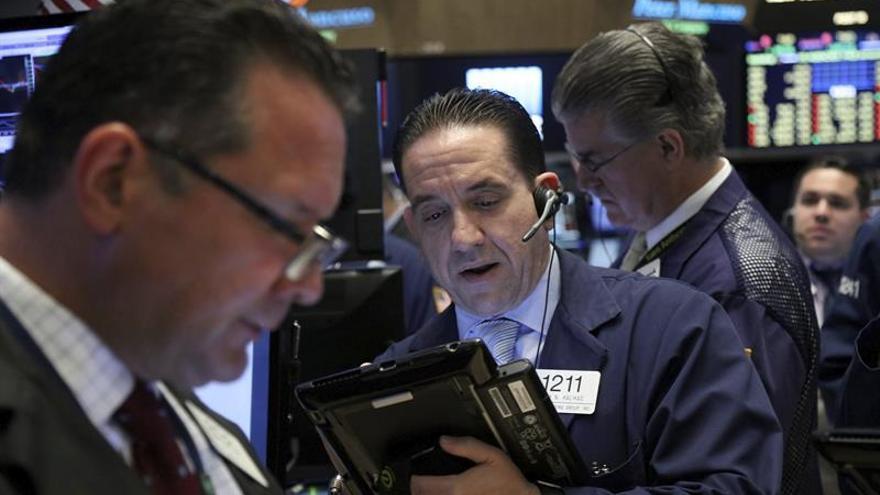 Wall Street cambia de signo a media sesión y el Dow Jones sube un 0,16 %